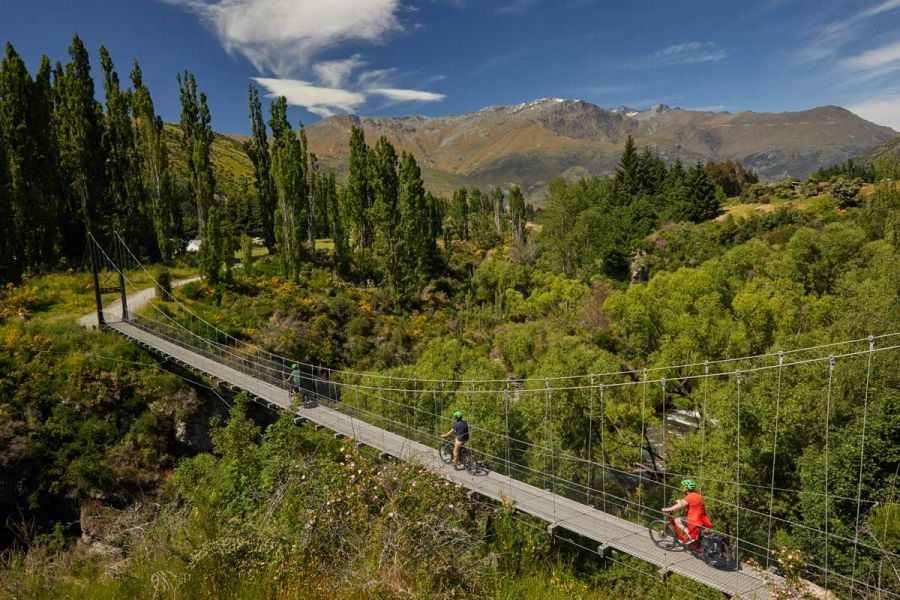 suspension-bridge-queenstow-bike wine tour