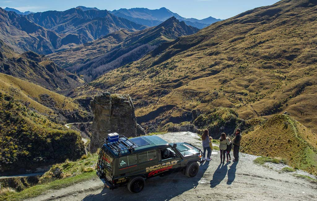 lotr-Queenstown-Skippers-Canyon-Lighthouse-Rock